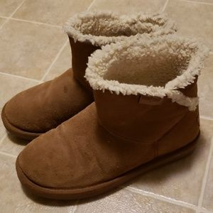 Minnetonka Low Boots